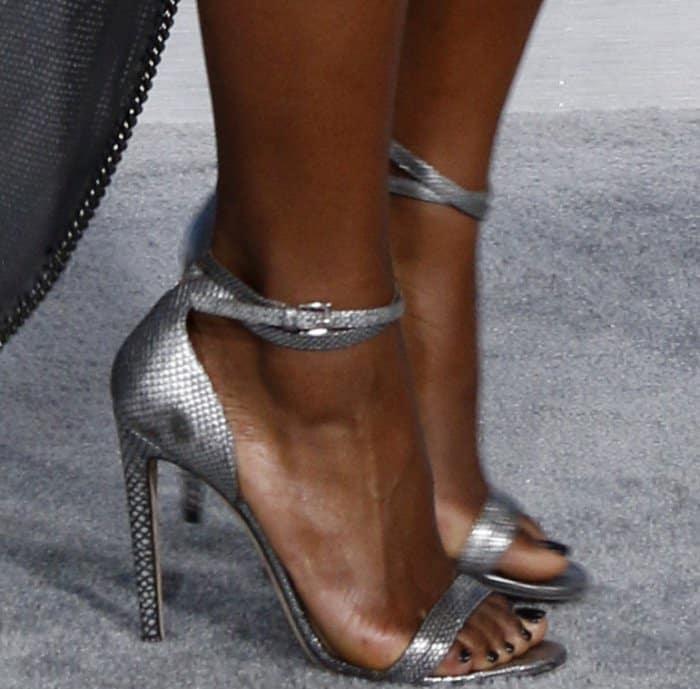 Justine Skye showing off her feet inChloe Gosselin Narcissus sandals