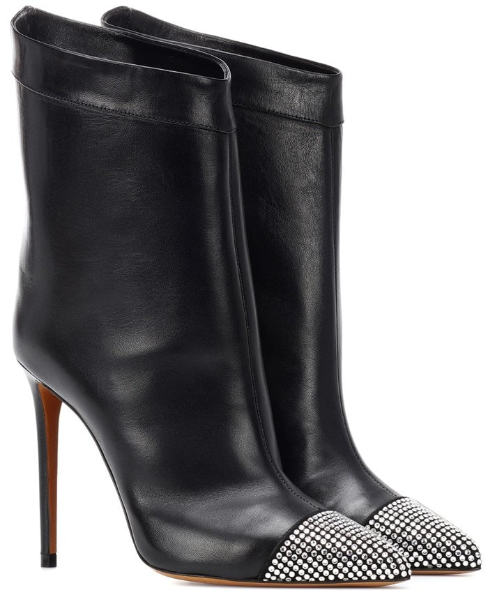 The Cha Cha boots from Alexandre Vauthier ensure a confident stride with every step, thanks to its fabulous fabrication
