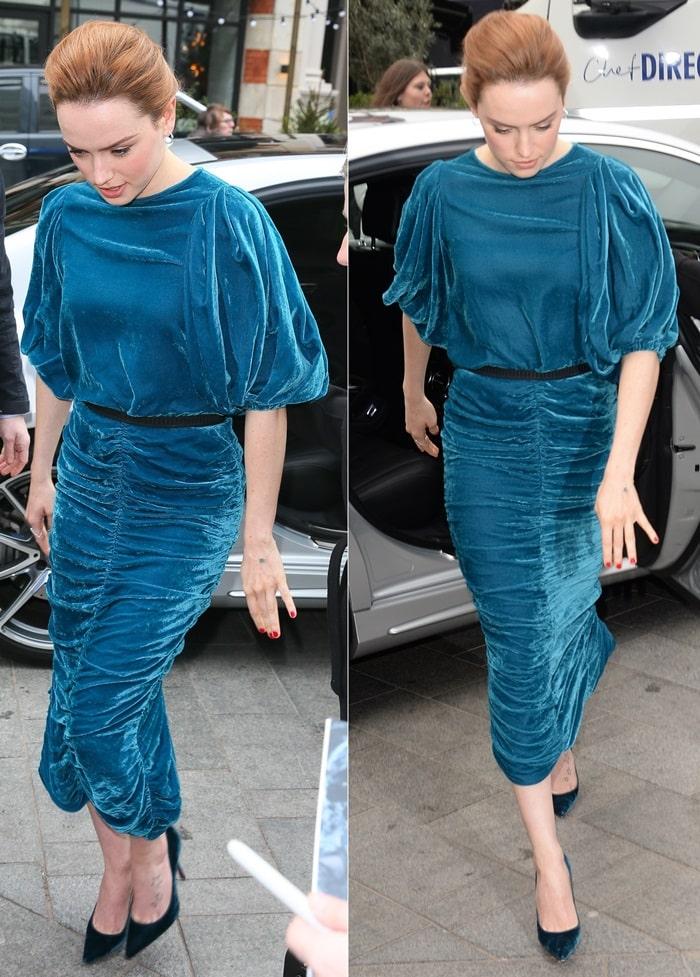 Daisy Ridley's teal velvet dress fromthe Antonio Marras Fall 2017 RTW collection