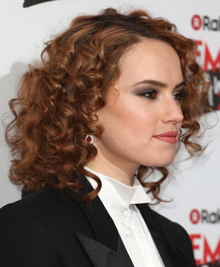 Daisy Ridley'snew fiery red hair