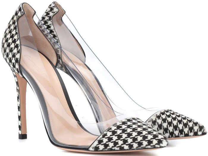 Crafted in Italy, these houndstooth pumps from Gianvito Rossi effortlessly combines timeless style with a focus on trend