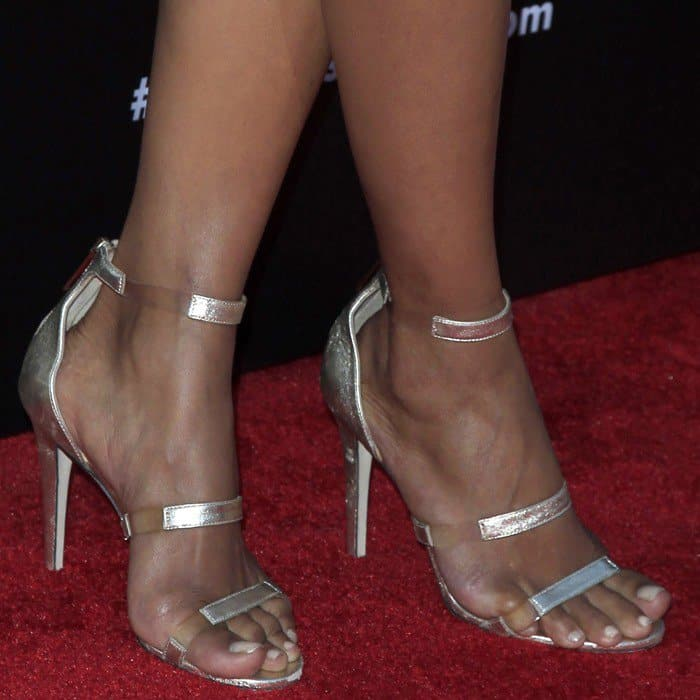 Halle Berry showing off her feet in Tamara Mellon 'Frontline' sandals
