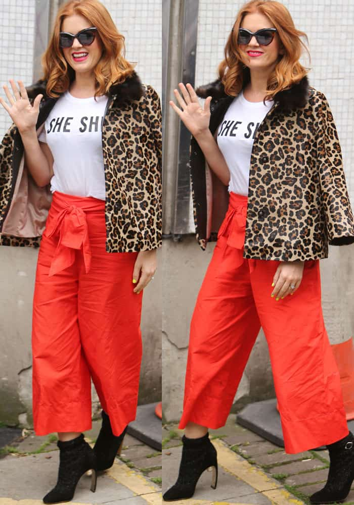 """The actress emerged in a Kate Spade top that said """"She She"""""""