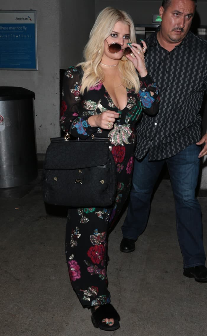 Jessica Simpson arrives at Los Angeles International (LAX) Airport on August 10, 2017