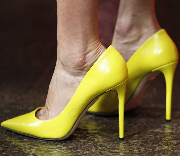"""Lake added a pop of color to her look with the Tamara Mellon """"Rebel"""" pumps"""