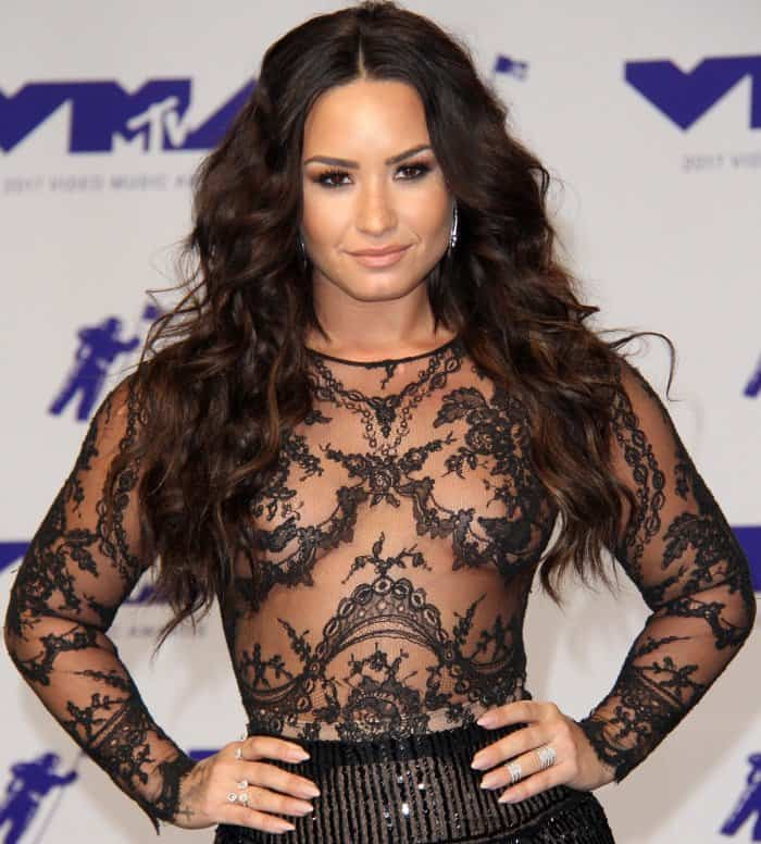 Demi Lovato wearing an all-black Zuhair Murad Fall 2016 Couture ensemble at the 2017 MTV Video Music Awards