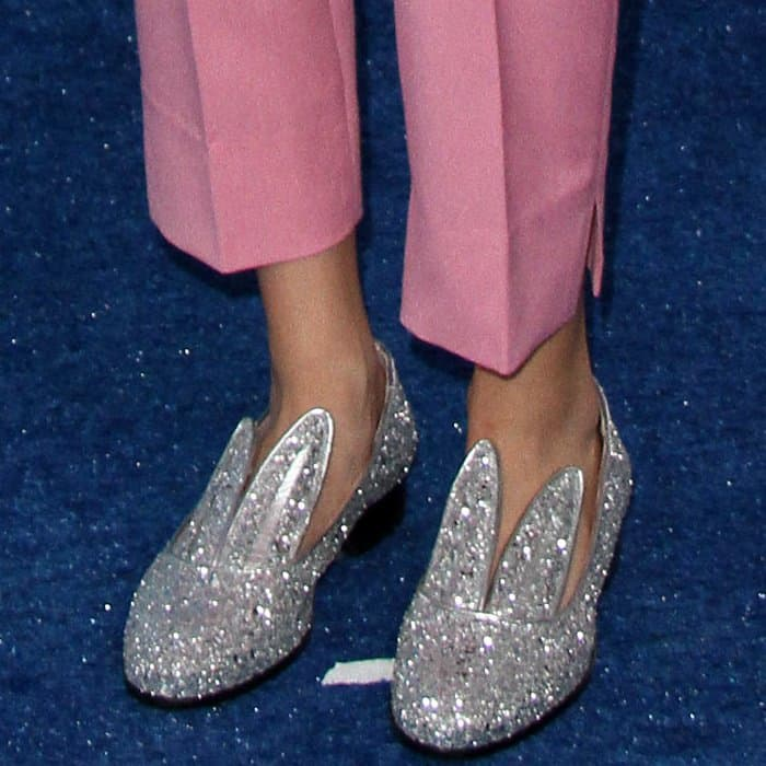 Grace VanderWaal wearing Minna Parikka bunny loafers at the 2017 Teen Choice Awards