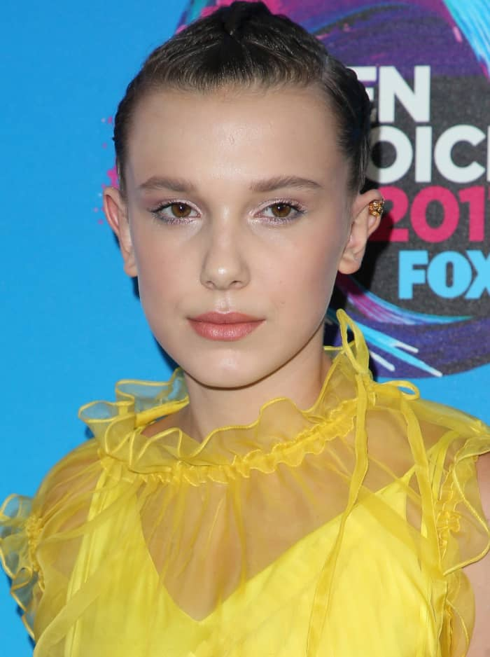 Millie Bobby Brown And Maddie Ziegler S Feet Amp Shoes At