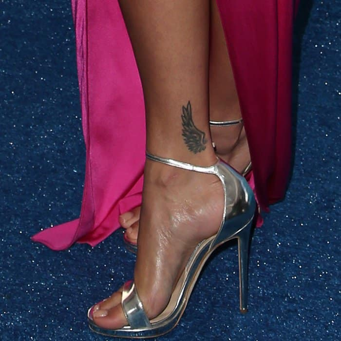 Rita Ora wearing Jimmy Choo sandals at the 2017 Teen Choice Awards