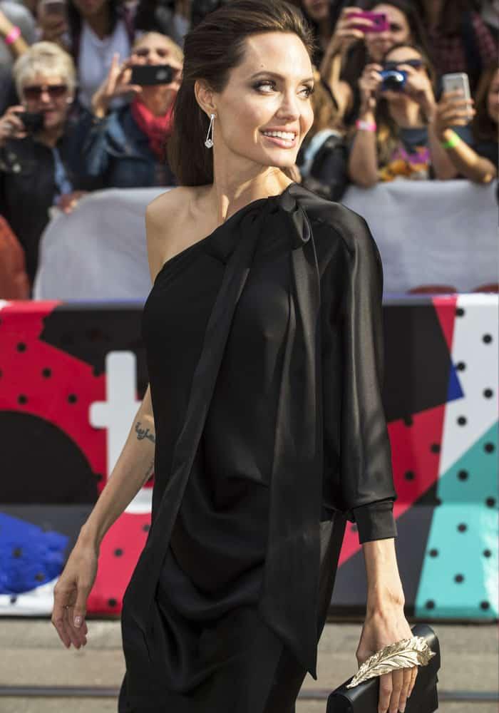 The actress looks elegant in her trademark all-black look