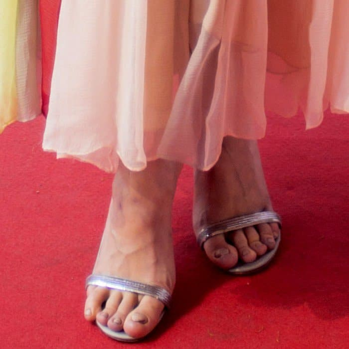 Lindsey Vonn Fans >> Brie Larson Shocks With Dirty Crypt Keeper Feet in Schiaparelli Couture