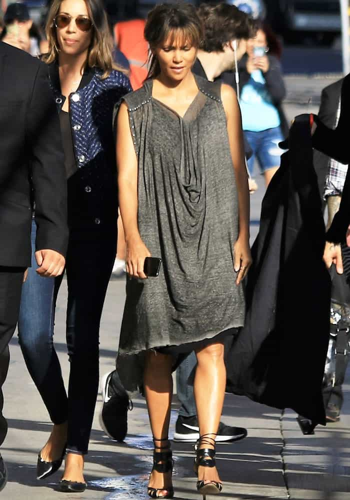 """Halle arrives in a different outfit before changing for """"Jimmy Kimmel Live!"""""""