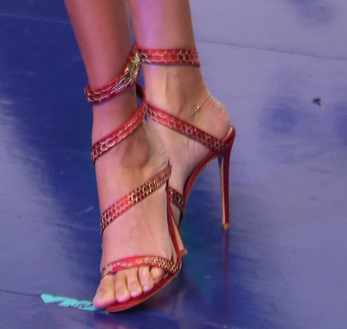 """Joan Smalls shows off her feet in Gianvito Rossi """"Dragon"""" high heel sandals"""