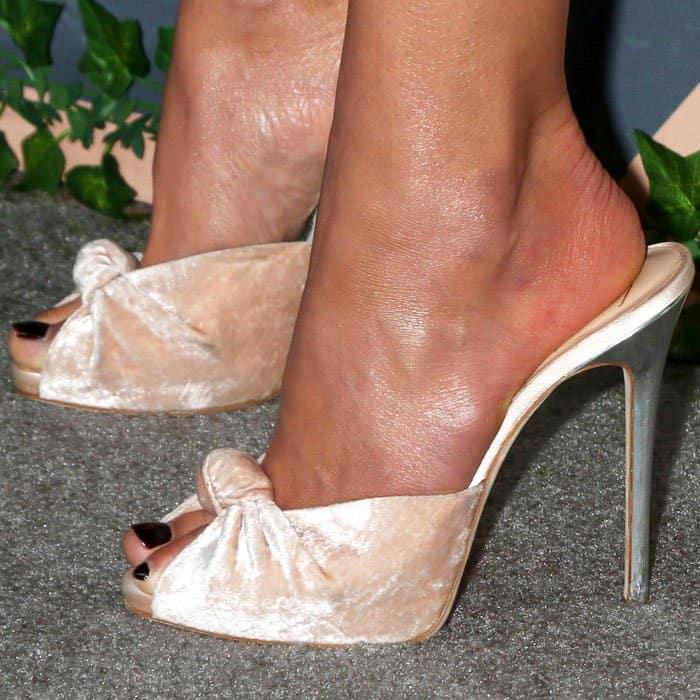 "Jordana wears a pair of Giuseppe Zanotti ""Bridget"" sandals"