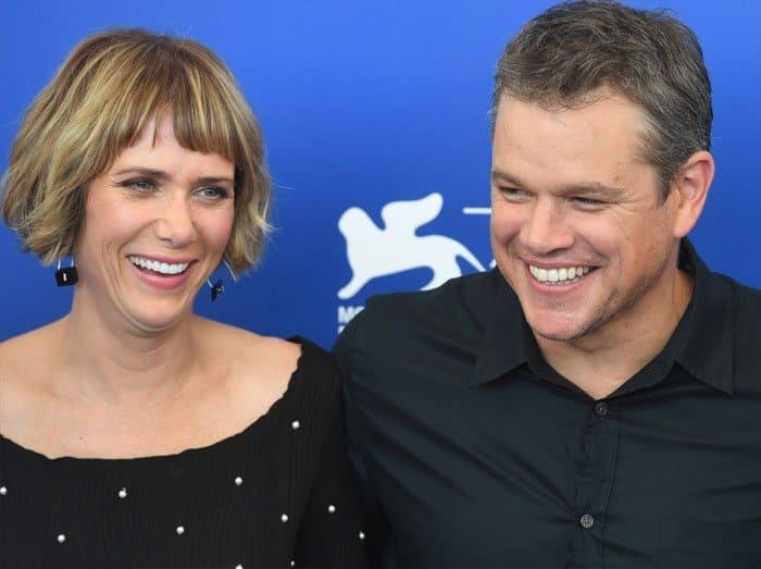 """Kristen poses with """"Downsizing"""" co-star Matt Damon"""