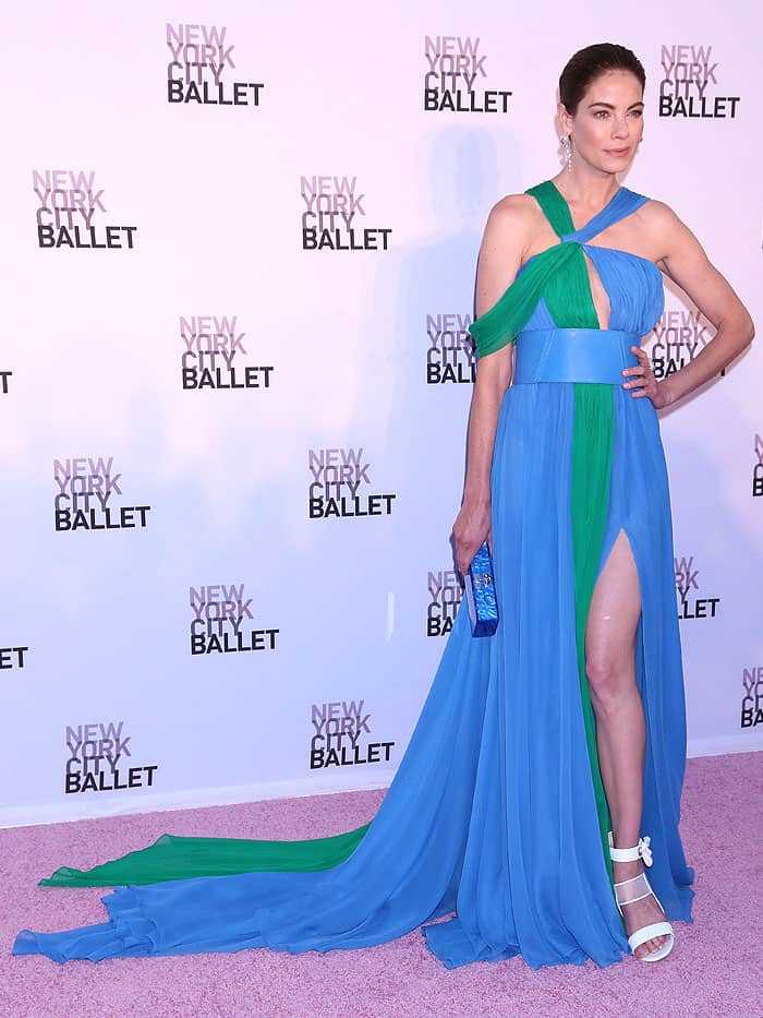 Michelle Monaghan ditched the fall fashion theme, instead opting for a flowy and breezy Prabal Gurung spring/summer 2018 head-to-toe look