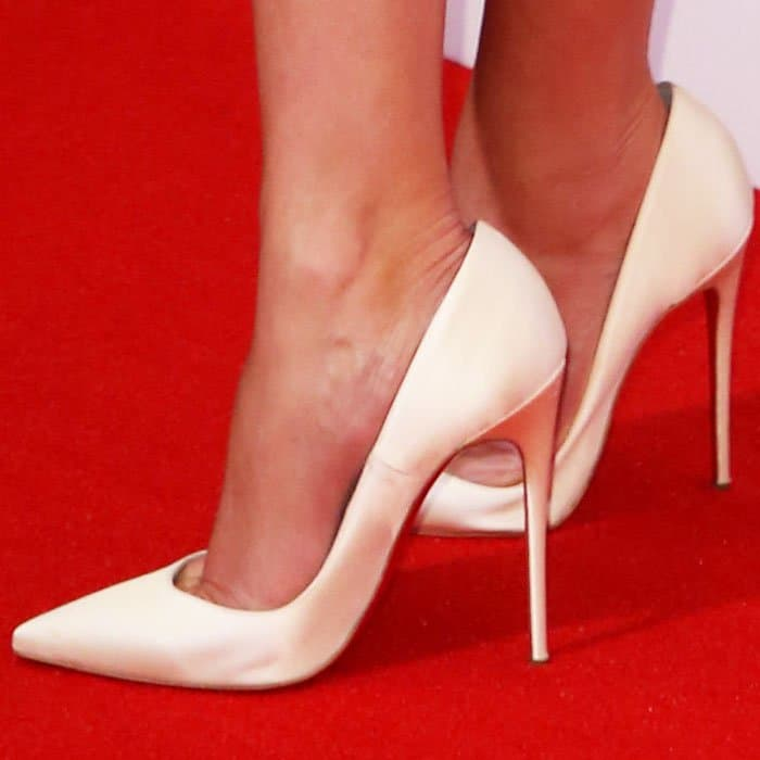 """Reese goes for classic with white satin """"So Kate"""" pumps from Christian Louboutin"""