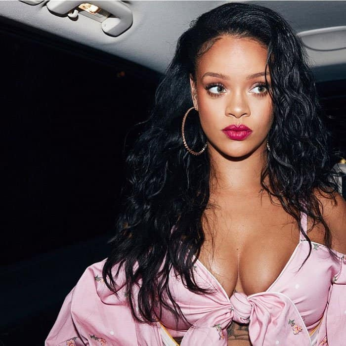 Rihanna en route to see her Spanish fans