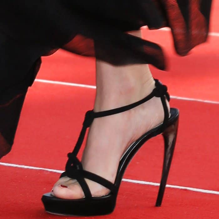 "Amanda Seyfried wearing black sandals with curved horn heels from Alexander McQueen at the ""First Reformed"" premiere during the 2017 Venice Film Festival"