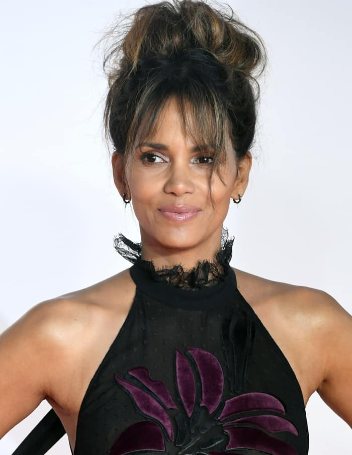 """Halle Berry wearing an Elie Saab Fall 2017 gown at the """"Kingsman: The Golden Circle"""" world premiere"""