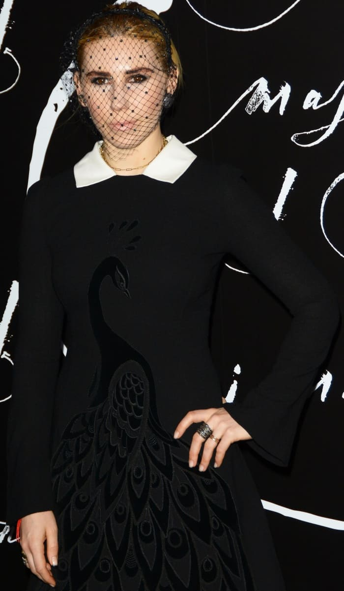 """Zosia Mamet wearing a Yanina Fall 2016 Couture dress at the """"Mother!"""" premiere"""