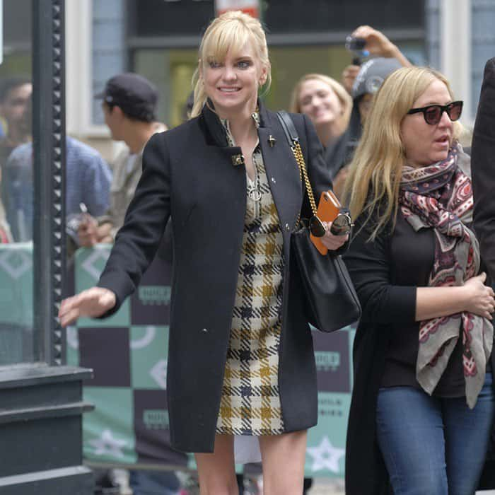 Anna Faris donned a mixed-material twiggy dress from the Sea New York Fall 2017 collection