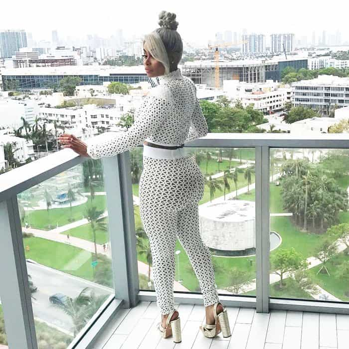 Blac Chyna flaunts her infamous booty before making her way to the BET Awards