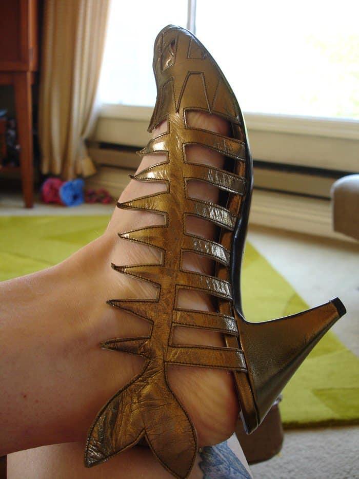 Dead Fish Shoe in Gold