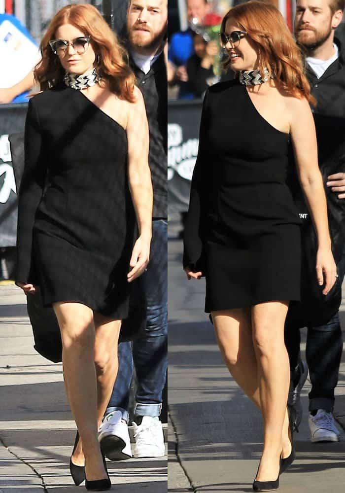 "Isla outside the ""Jimmy Kimmel Live!"" Studios in Los Angeles on October 5, 2017"