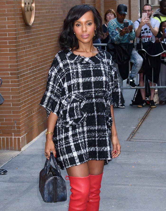 Kerry Washington arrives for a taping of 'The View' in New York City on October 5, 2017