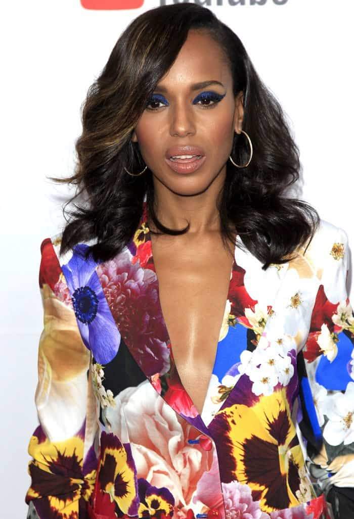Kerry Washington wearing a colorful Roberti Cavalli suit at the 2017 GLSEN (Gay, Lesbian, & Straight Education Network) Respect Awards at the Beverly Wilshire Hotel in Los Angeles on October 20, 2017