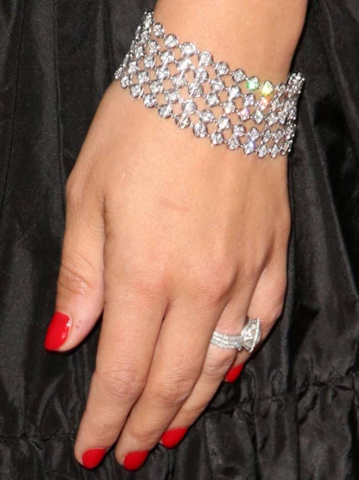 Serious diamonds: Natalie wore jewelry from Van Cleef & Arpels