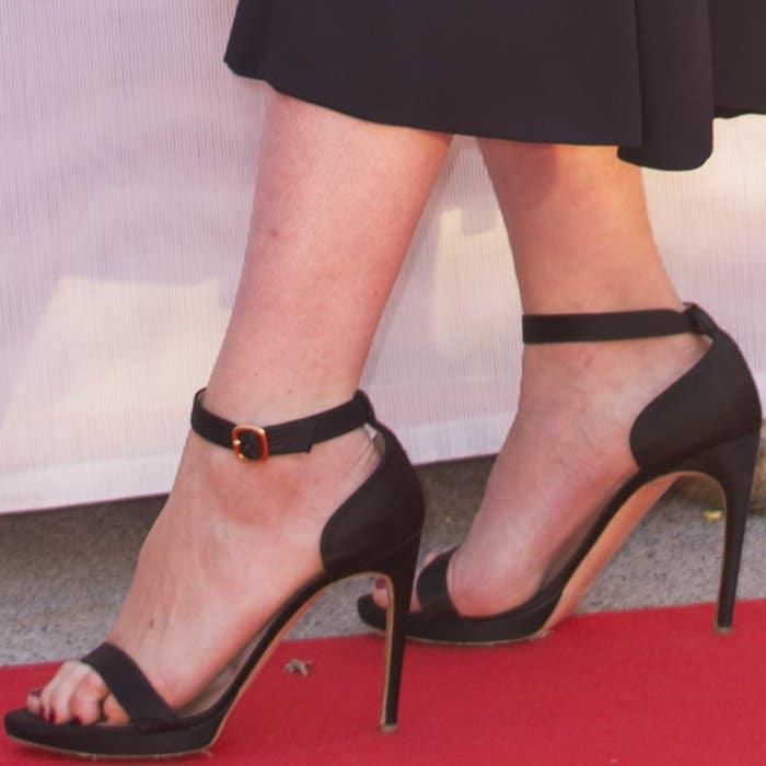 """Carey Mulligan wearing Rupert Sanderson """"Myril Plato"""" sandals at the """"Mudbound"""" premiere during the Toronto International Film Festival"""