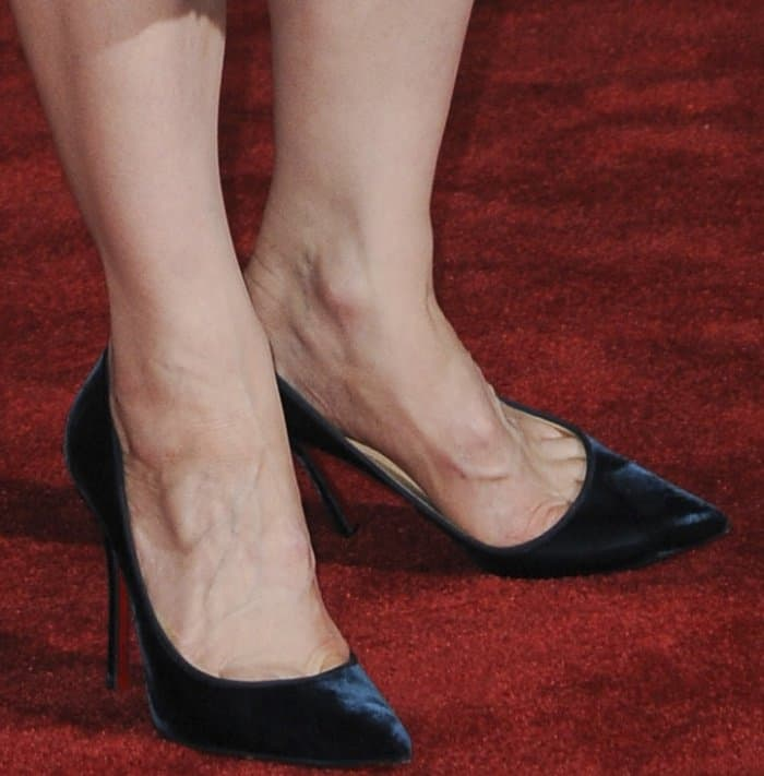 "Cate Blanchett wearing Christian Louboutin ""Decoltish"" pumps at the ""Thor: Ragnarok"" world premiere"