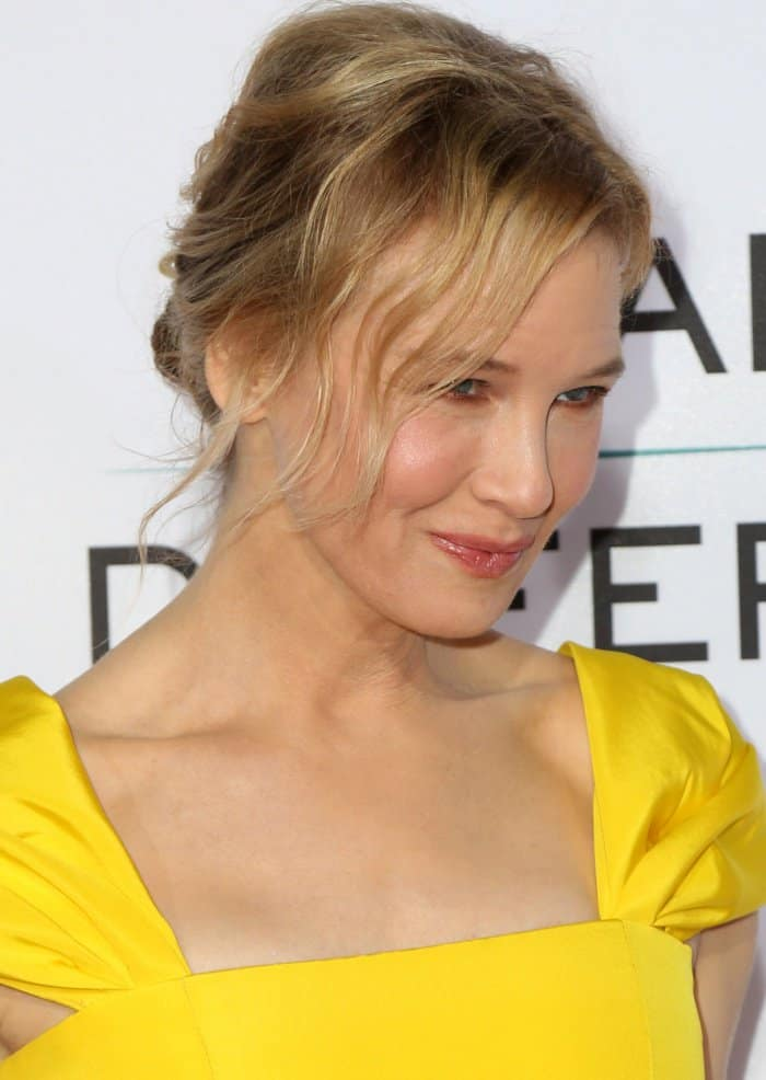 "Renee Zellweger wearing a Carolina Herrera Spring 2018 dress at the ""Same Kind of Different As Me"" premiere"