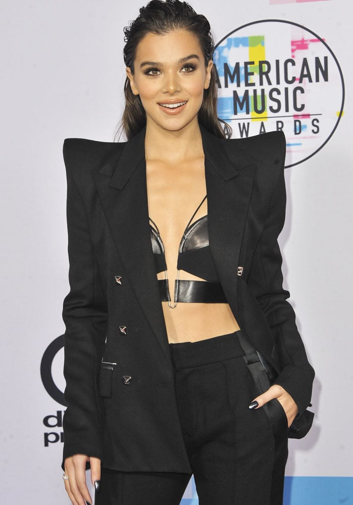 Hailee stuns in a Mugler suit and leather brassiere