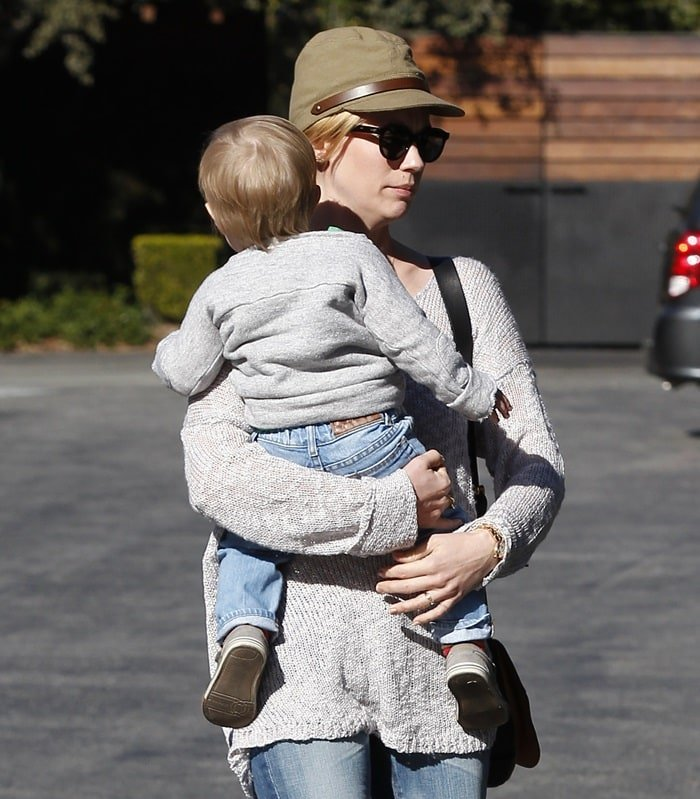 January Jones and son Xander are seen after having lunch in Pasadena, Los Angeles, on January 14, 2013