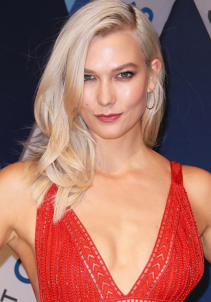 Karlie Kloss at the 51st Country Music Association Awards at Music City Center in Nashville on November 8, 2017