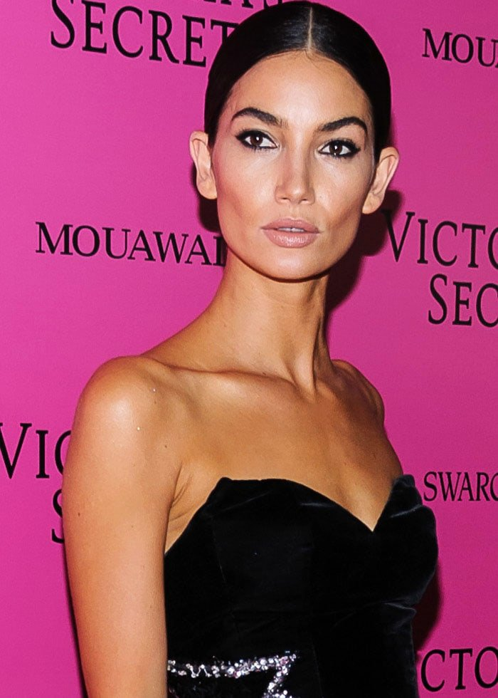Lily Aldridge goes classic in all-black after a colorful show