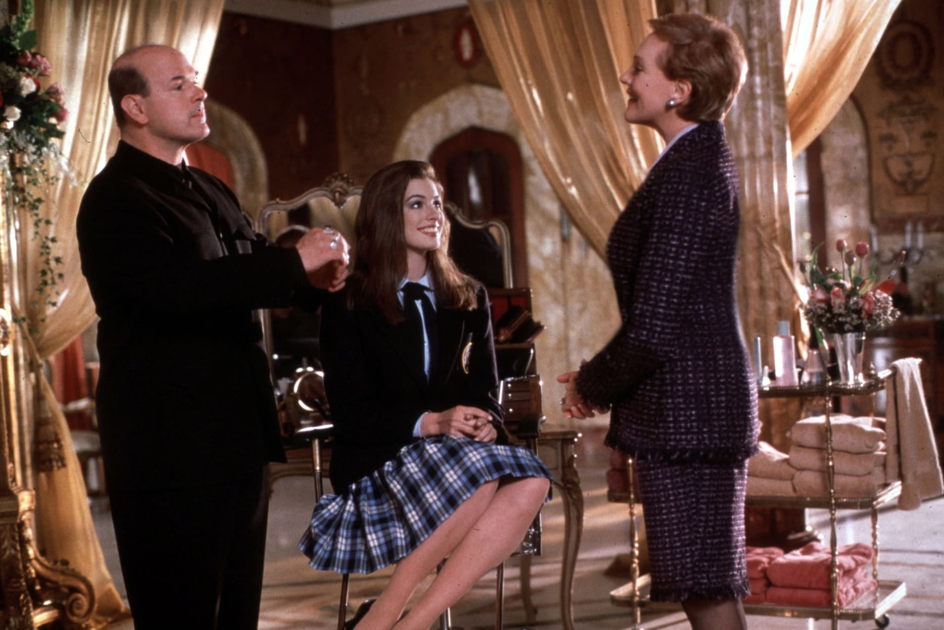 Anne Hathaway was 18-years-old when cast in the lead role of Mia Thermopolis in The Princess Diaries