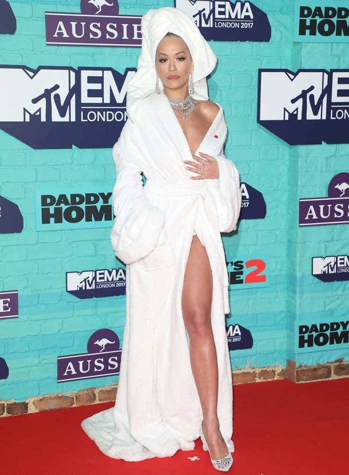 Rita Ora wearing a Palomo Spain Spring 2018 robe on the 2017 MTV EMAs red carpet at The SSE Arena in Wembley in London, England, on November 12, 2017