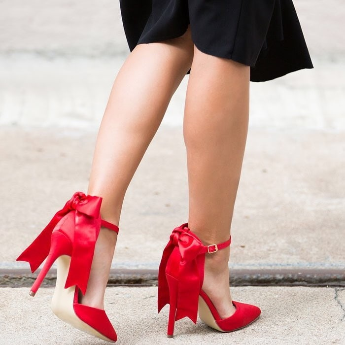 'Vivian' Satin Bow Pumps Red