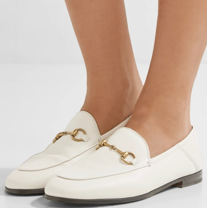 This off-white pair has been made in Italy from supple leather and is embellished with the signature burnished gold horsebit