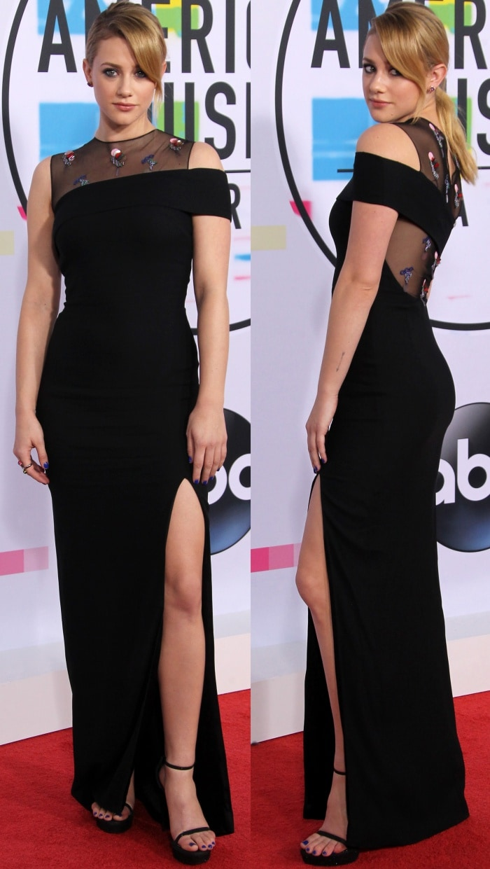 Lili Reinhart wearing a Cushnie et Ochs Resort 2018 dress and black ankle-strap sandals at the 2017 American Music Awards