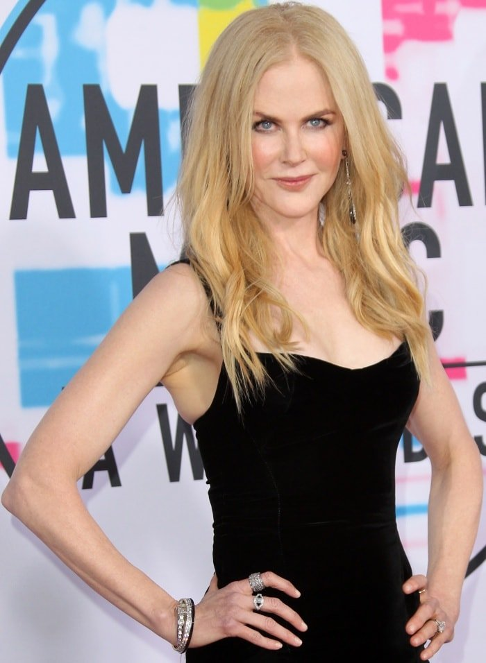 Nicole Kidman wearing an Olivier Theyskens Spring 2018 dress, an Omega watch, and Fred Leighton jewels at the 2017 American Music Awards