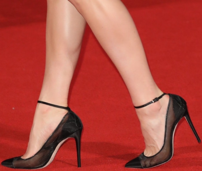 "Vanessa Kirby wearing Jimmy Choo mesh pumps at Netflix's ""The Crown"" Season 2 world premiere"