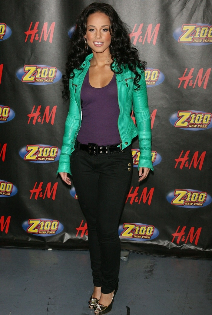 Alicia Keys arrives for her performance at Z100′s Jingle Ball 2007 at Madison Square Garden in New York City on December 14, 2007