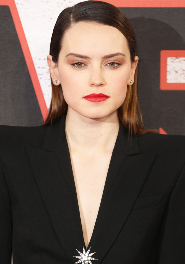 "Daisy Ridley at the ""Star Wars: The Last Jedi"" photo call held at the Corinthia Hotel in London on December 13, 2017"