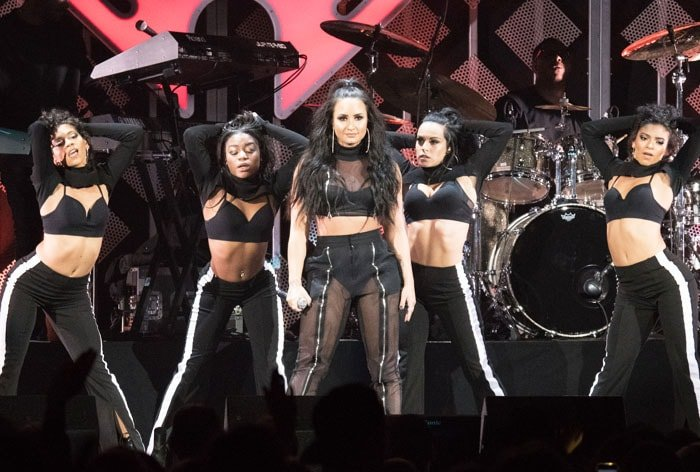 The singer takes over the stage with her slew of dancers