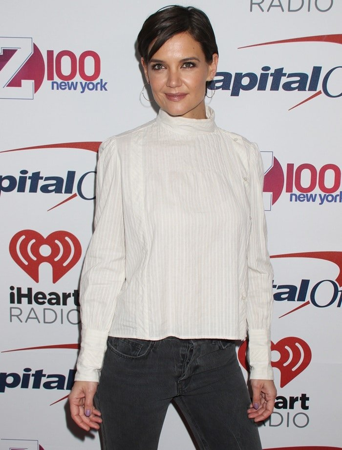 Katie Holmes hits the red carpet for Z100′s 2017 Jingle Ball presented by Capital One at Madison Square Garden in New York City on December 8, 2017